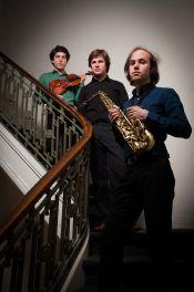 Kugoni Trio
